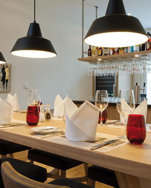 Bachhuber_Hoteleinrichtungen_Bar-Rote-Schleuse