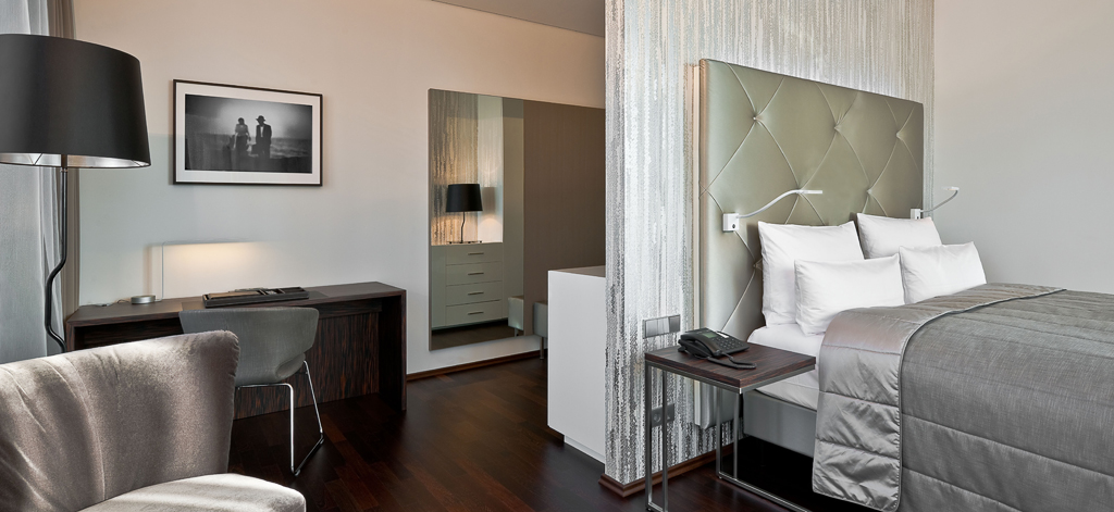 cosmo hotel berlin mitte bachhuber hoteleinrichtung. Black Bedroom Furniture Sets. Home Design Ideas