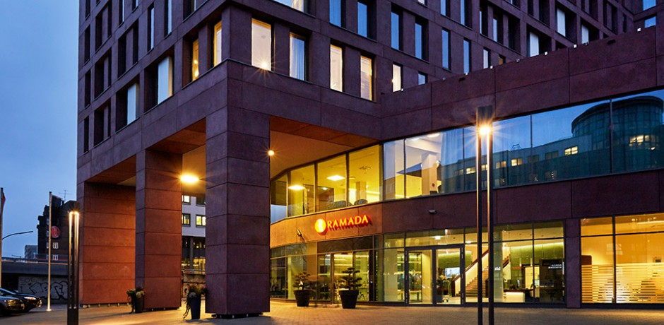 Bachhuber Hoteleinrichtungen Ramada Hotel - Aussenansicht