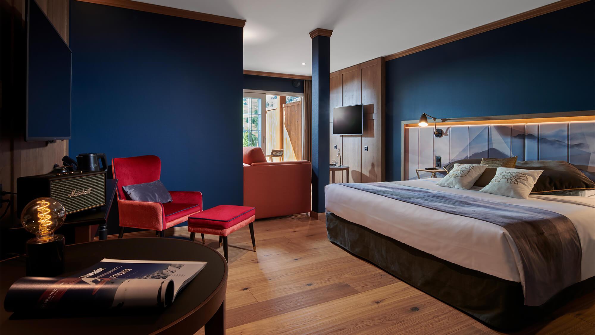 Hotel-Glacier-1