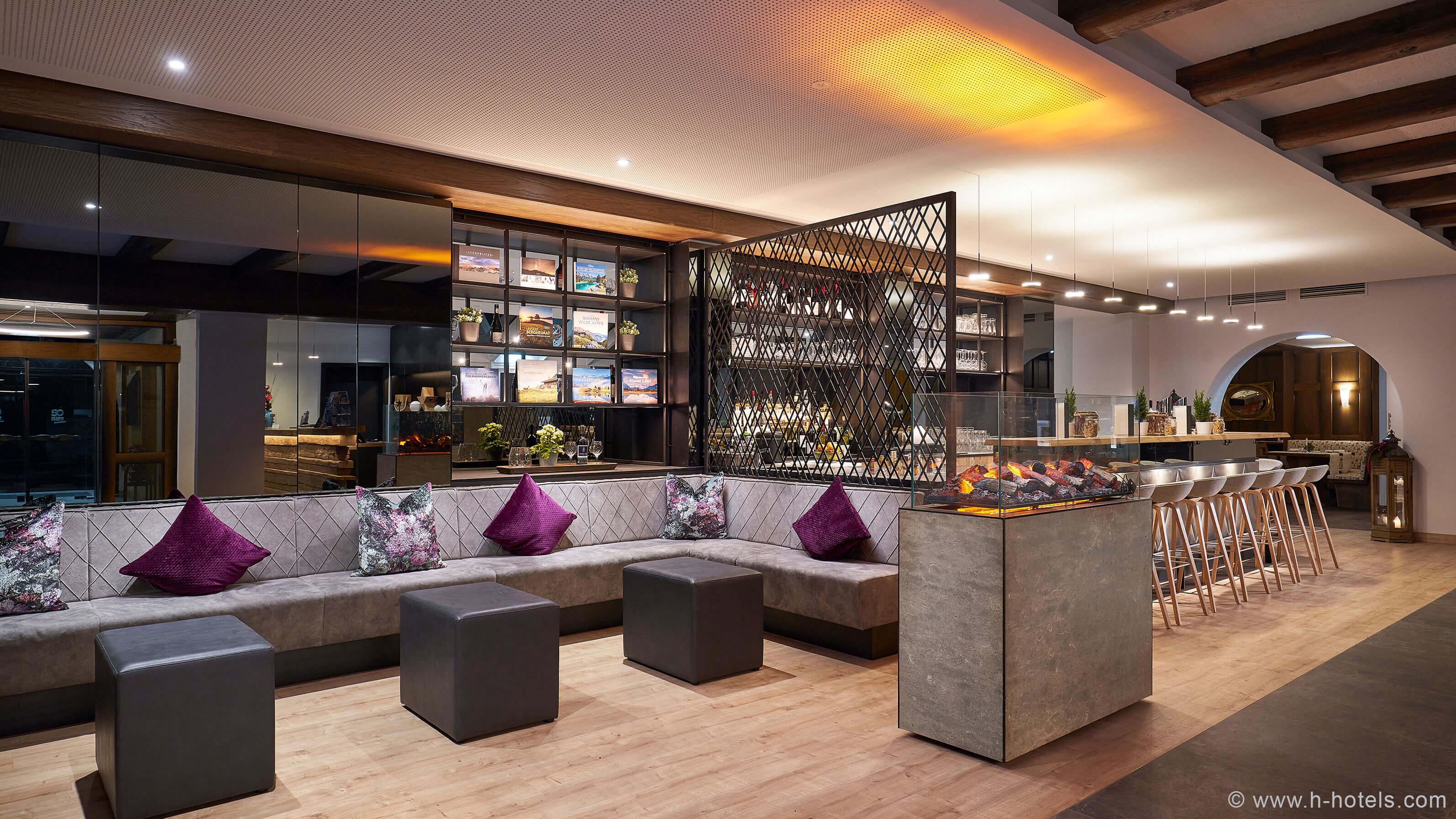 h-hotels_lobby-01-hplus-hotel-garmisch_Original-(kommerz.-Nutzung)-_b53cee81_