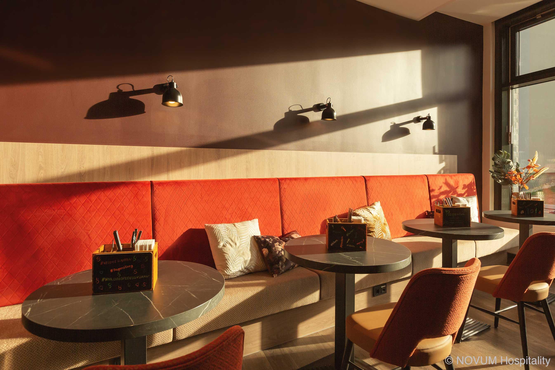 hotelausstattung-hoteleinrichtungen-bachhuber-Hotel-Niu-Sparrow-fruehstueck-private-room-separee-restaurant